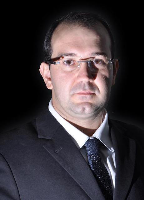 Prof. Dr.  José Vitor Quinelli Mazaro
